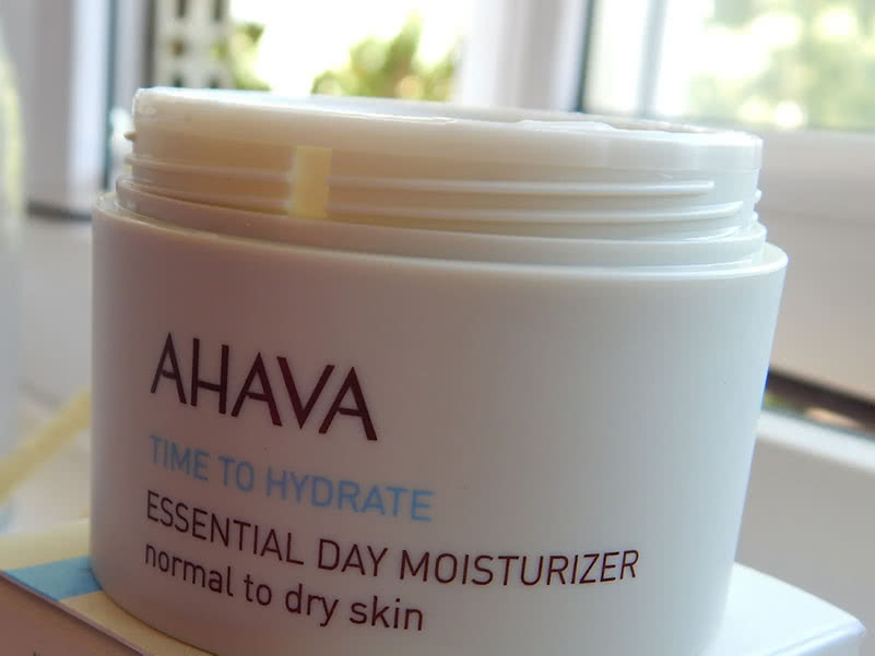 Ahava Essential Day Moisturizer Review Beauty Wise Up