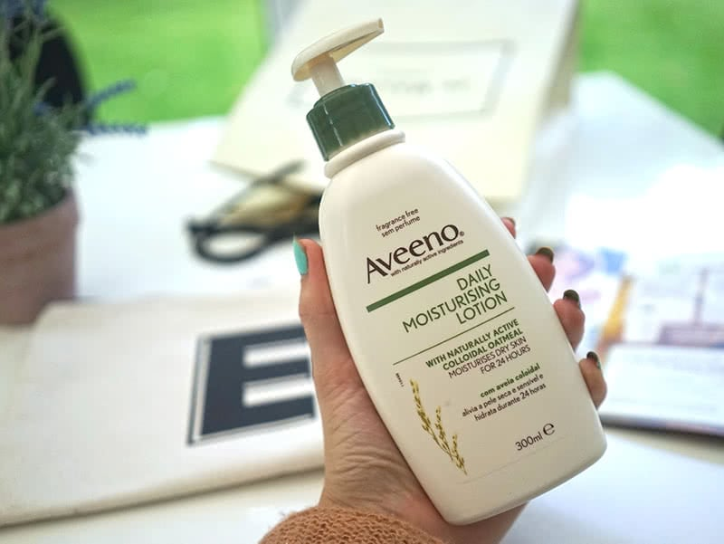 Aveeno Daily Moisturizing Lotion Review Product Shot Natural Beauty Wise Up